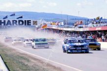 Bathurst James Hardie 1000 1981 FALCON Dick Johnson &  CAMARO Kevin Bartlett leads away
